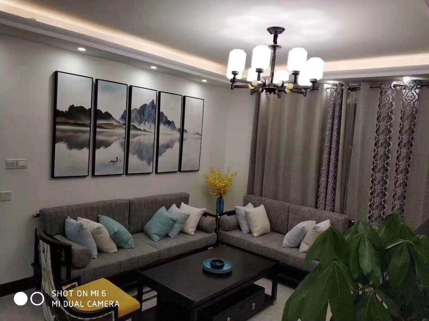 109平米四居新中式風格客廳沙發墻裝修圖片