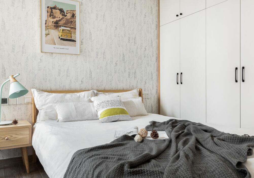 120平米簡約臥室背景裝修案例圖