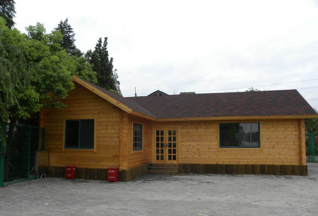 木制家庭別墅外觀裝修設計圖片欣賞