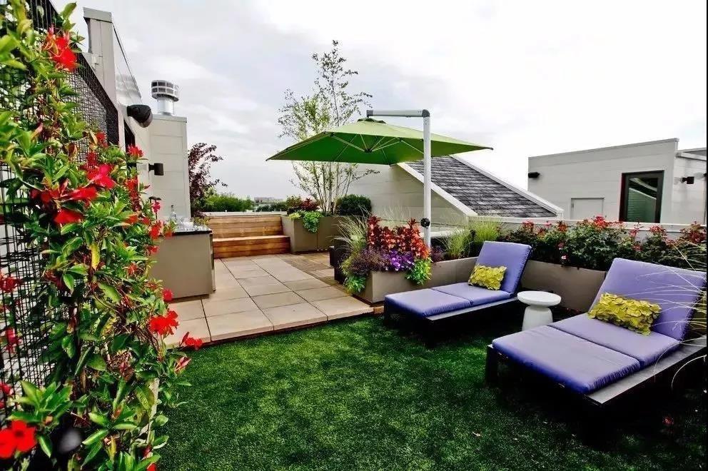 高層露臺草坪裝修設計圖片