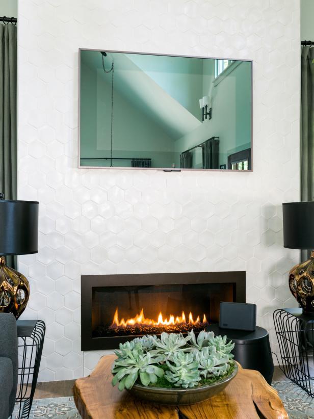 國外別墅客廳壁爐白色墻設計圖片