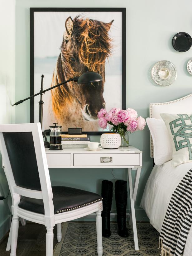 國外家庭臥室局部桌椅擺放圖片