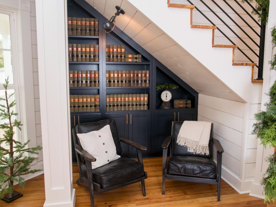 2019北美復式樓梯下休閑區設計圖片