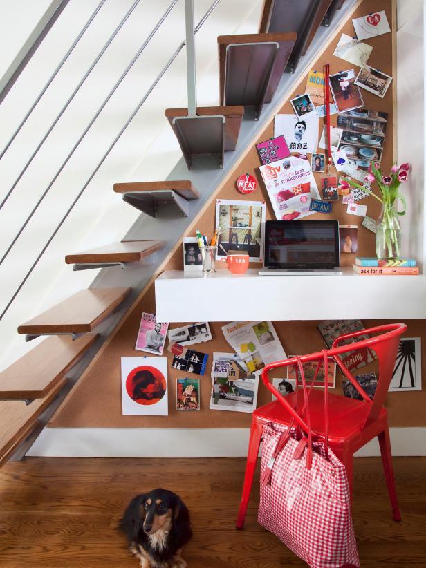 2019北歐風格躍層樓梯下書房布置圖片