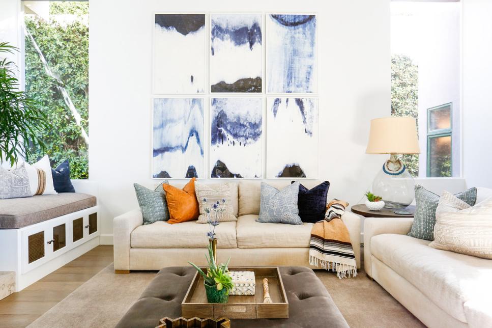 2019國外二層洋房客廳沙發墻設計圖片