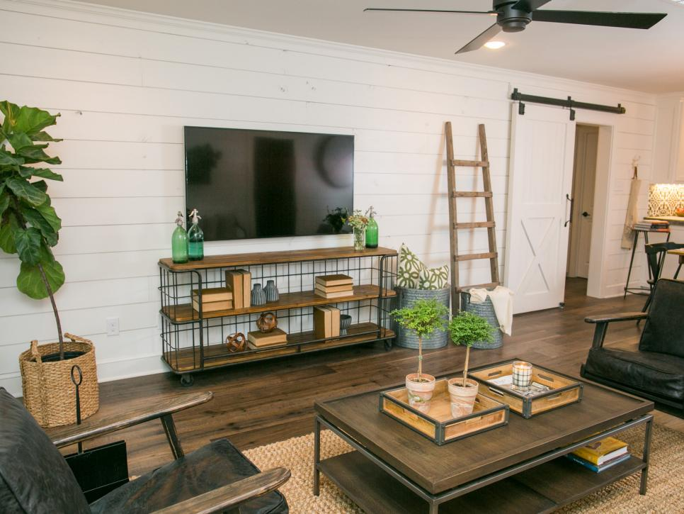 2019國外溫馨家庭客廳木地板鋪設效果圖片