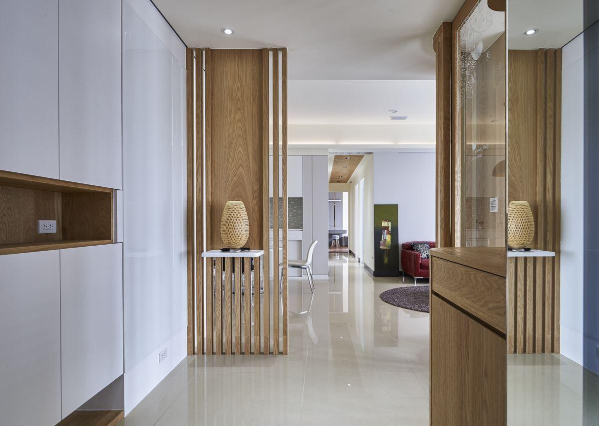 大戶型簡約房屋玄關設計造型效果圖片