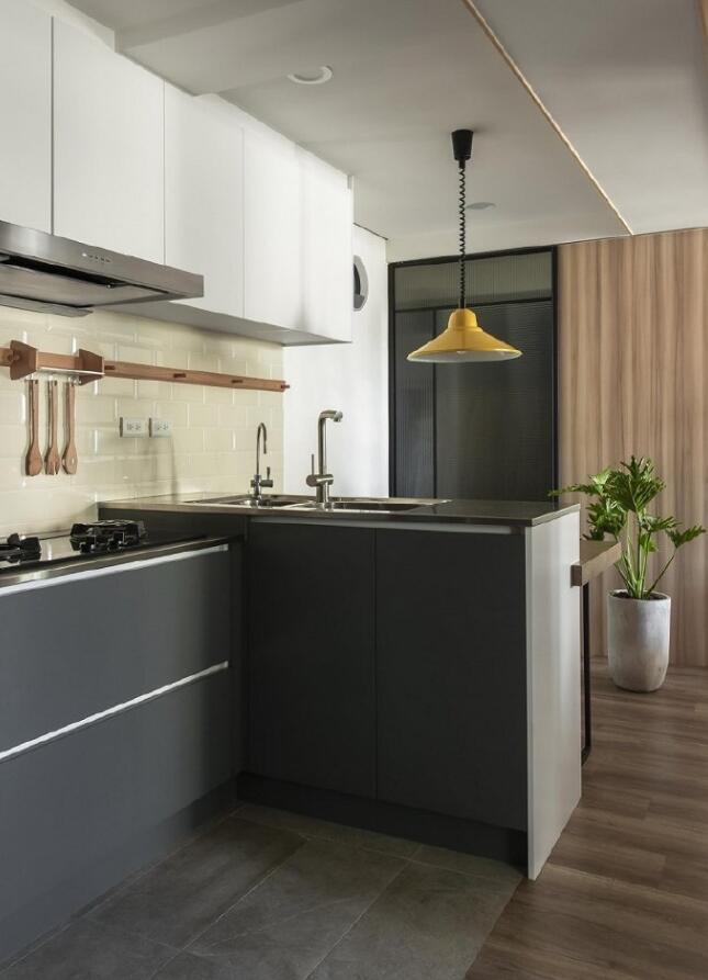 單身公寓樣板房開放式廚房吊燈裝修圖片