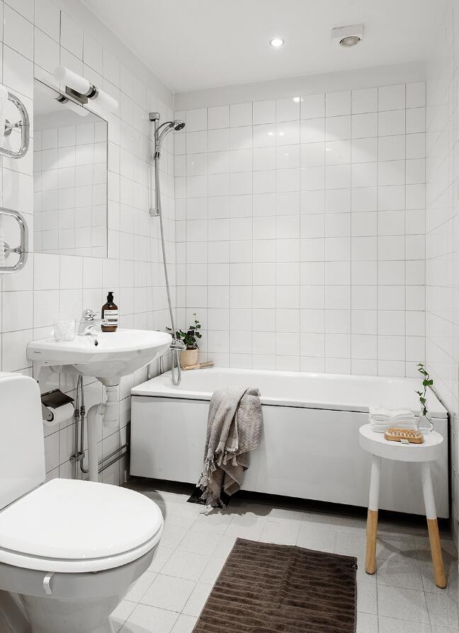 單身公寓樣板房衛生間整體白色裝修效果圖