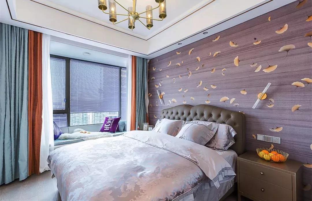 二室二廳房屋主臥背景墻壁紙裝飾設計圖