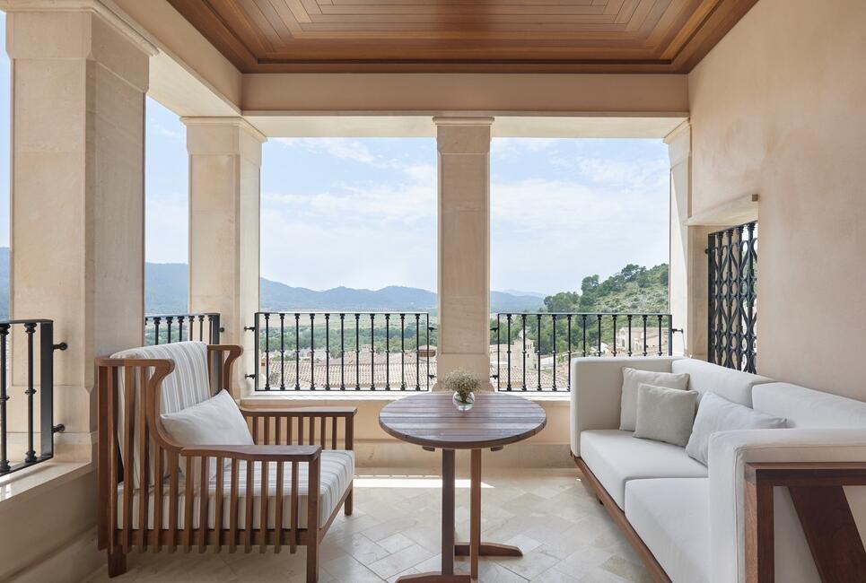 高層封閉式露臺家具沙發設計圖片