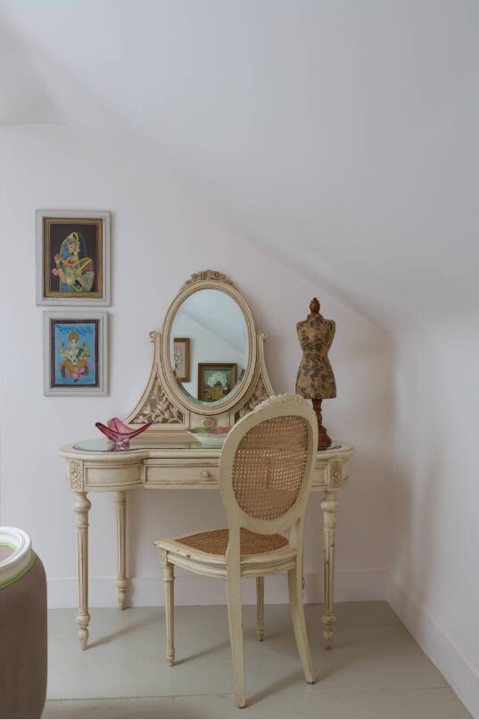 閣樓復古梳妝鏡設計圖