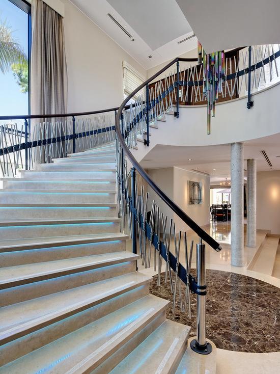 國外二層別墅樓梯設計效果圖片大全
