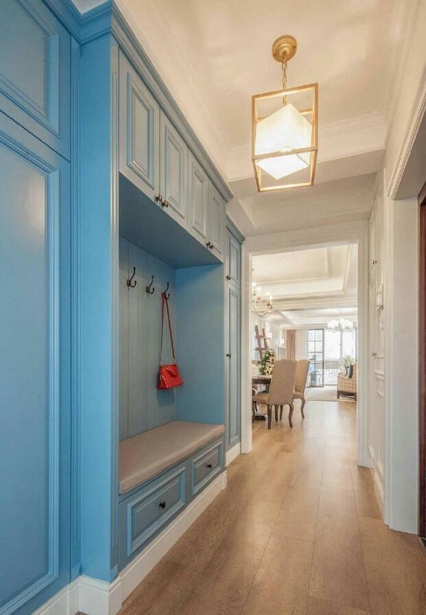 混搭風格房屋玄關衣帽架顏色搭配設計效果圖