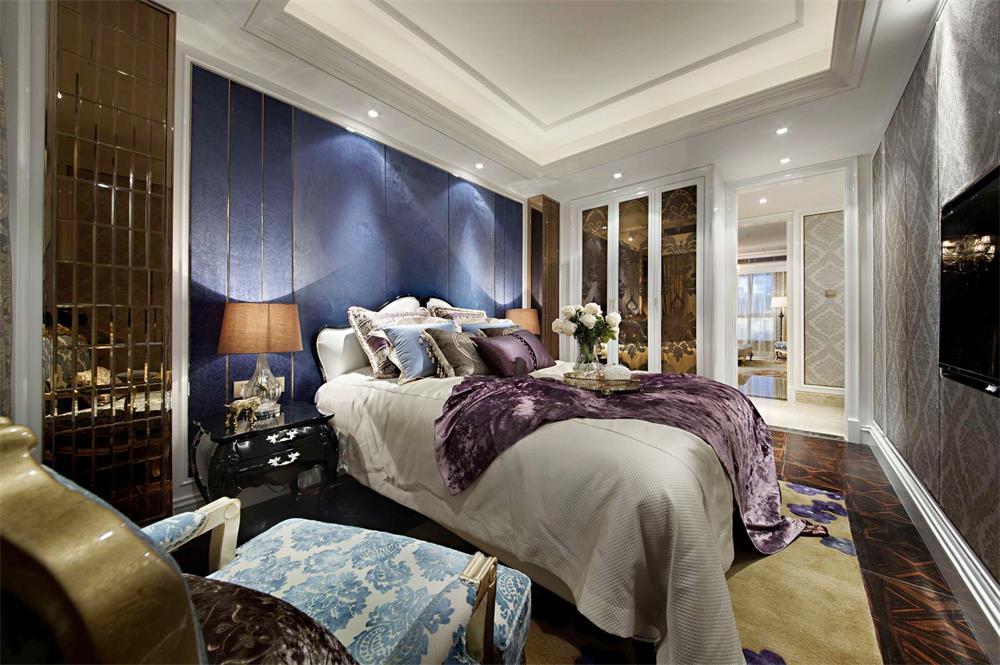 簡歐家居臥室深藍色背景墻設計裝修圖片