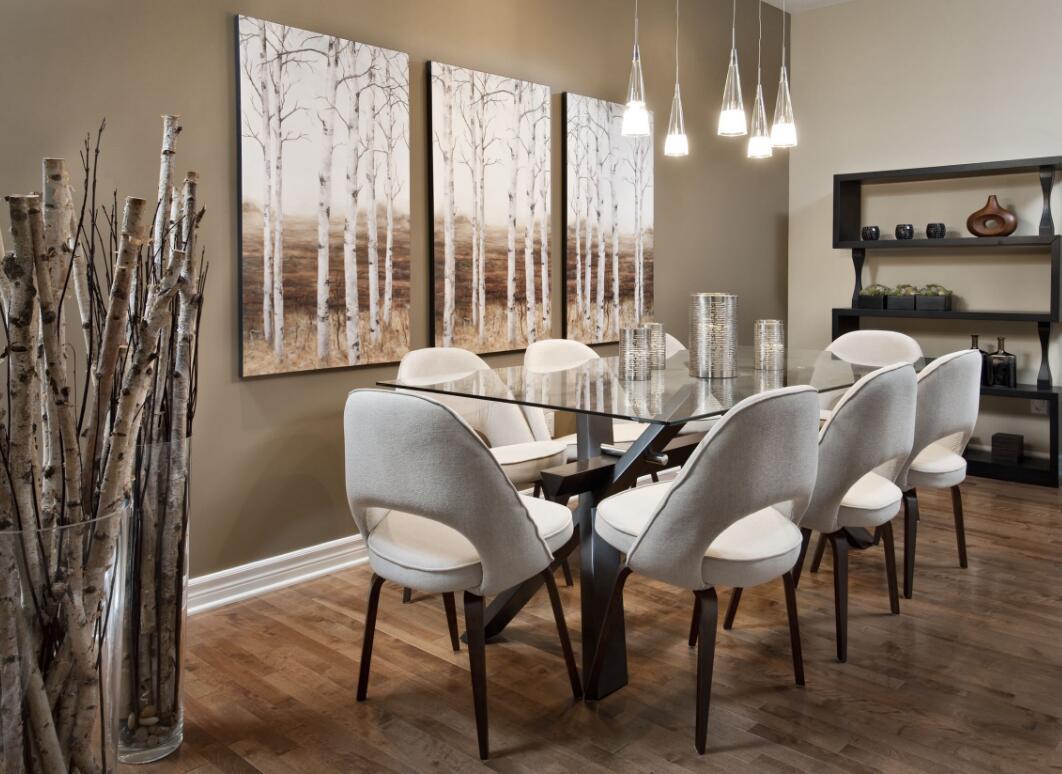 家庭飯廳玻璃餐桌裝飾效果圖片