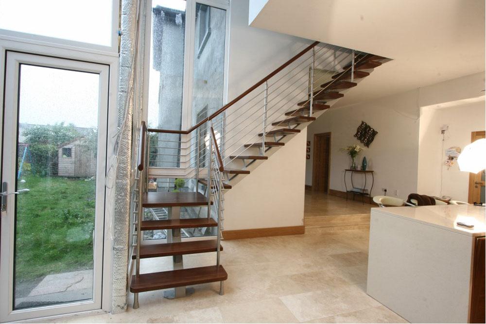 簡約別墅室內樓梯設計裝修效果圖片
