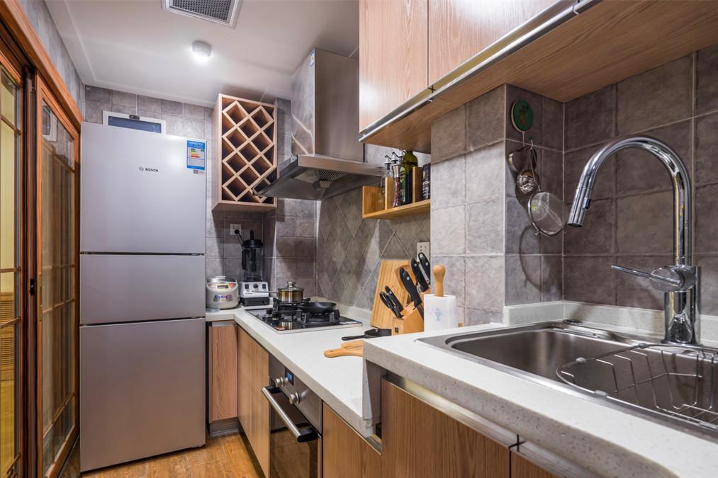 家用廚房背景墻酒柜裝潢設計圖一覽