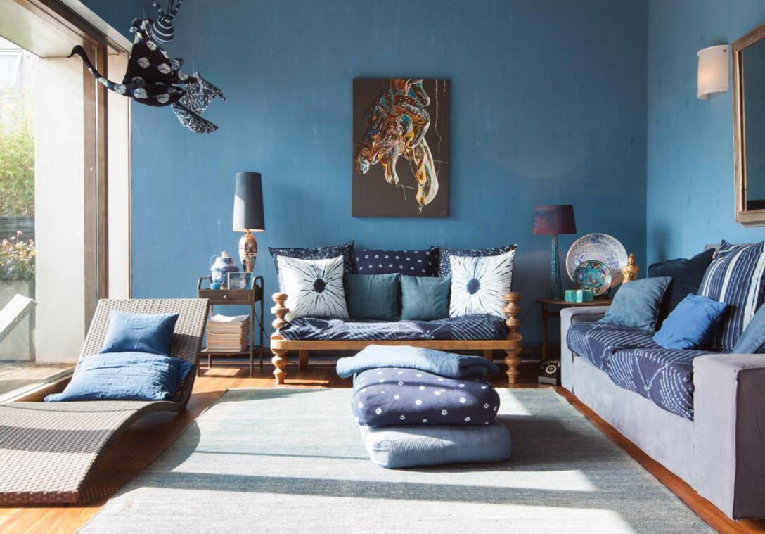 客廳沙發背景墻藍色家居裝飾圖片