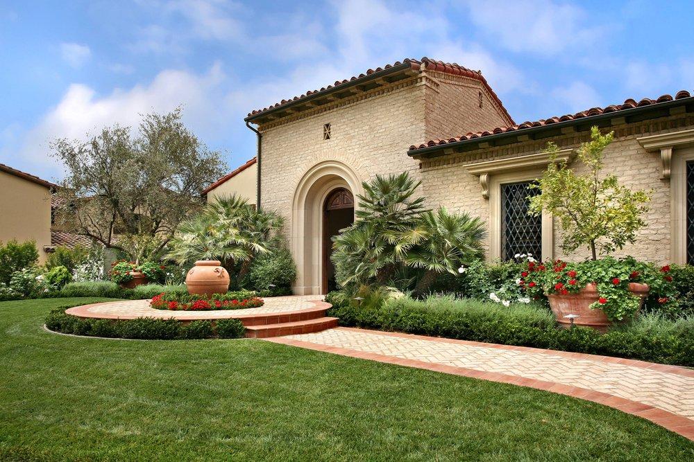 美式別墅進門院子設計圖片