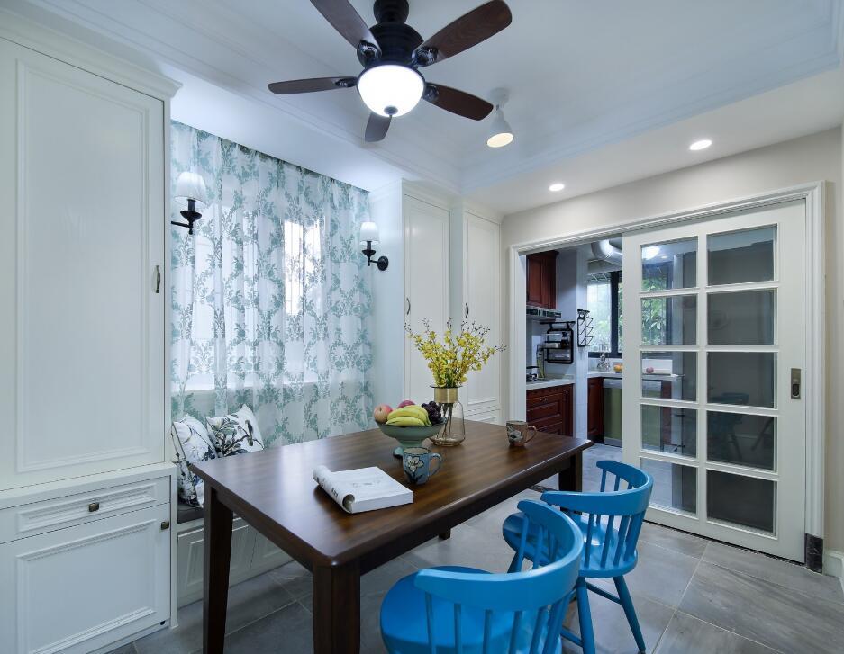 美式風格房子餐廳風扇燈裝修設計欣賞