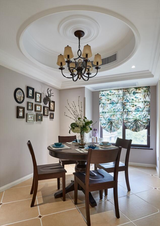 美式風格房子室內餐廳圓形吊頂裝修圖片