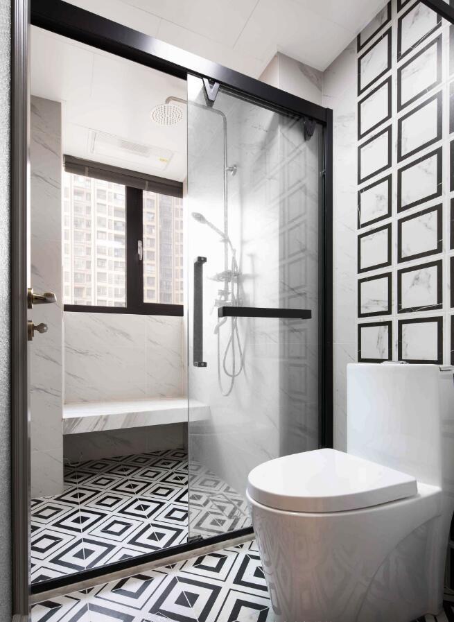 美式風格房子衛生間玻璃隔斷裝修圖片