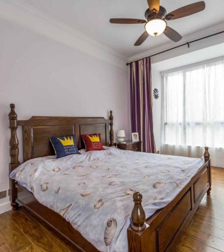 美式風格房子主臥實木床裝修裝潢圖片