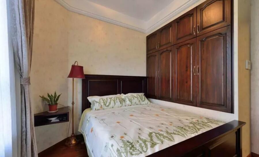 美式風格住宅臥室木質衣柜裝修設計圖片