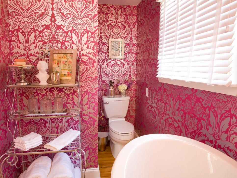 暖色系三平米衛浴間背景墻設計圖片