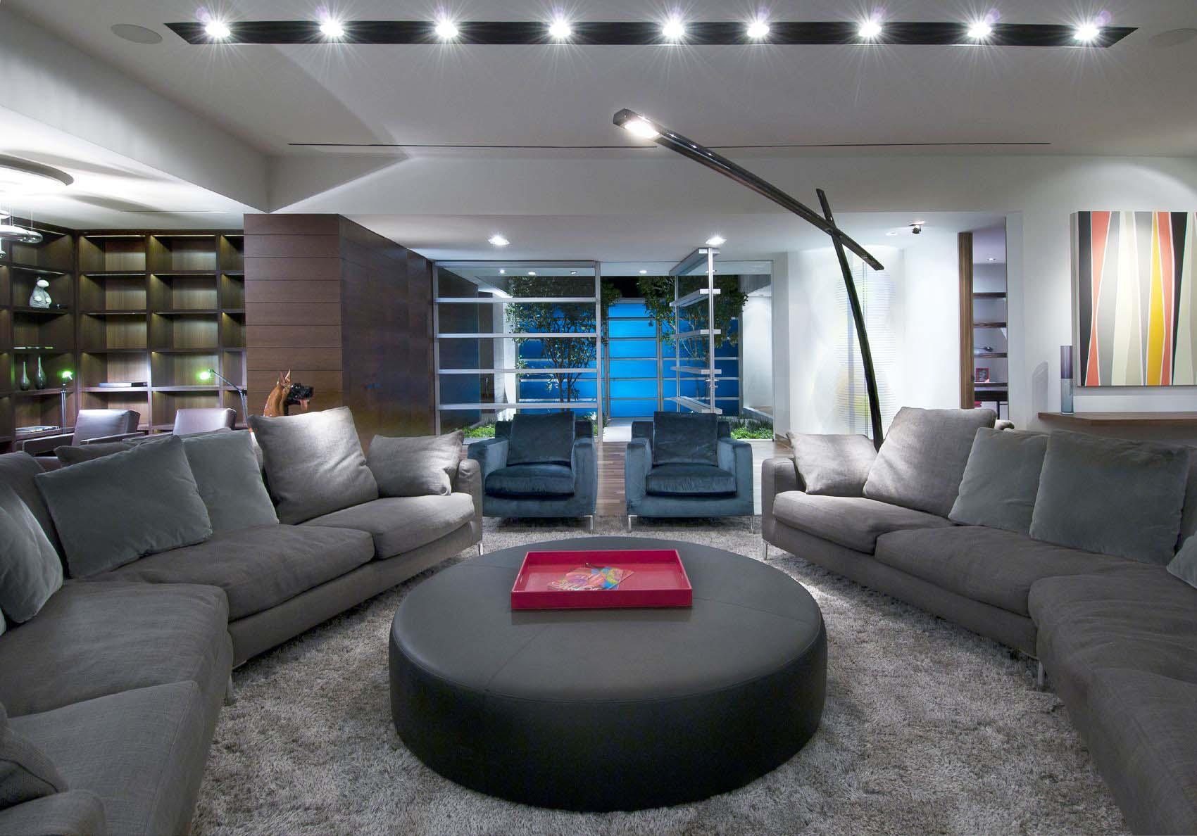 現代風格別墅客廳圓形茶幾裝修效果圖片