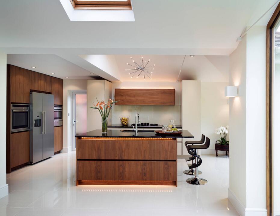 現代簡約風格高級廚房設計效果圖大全