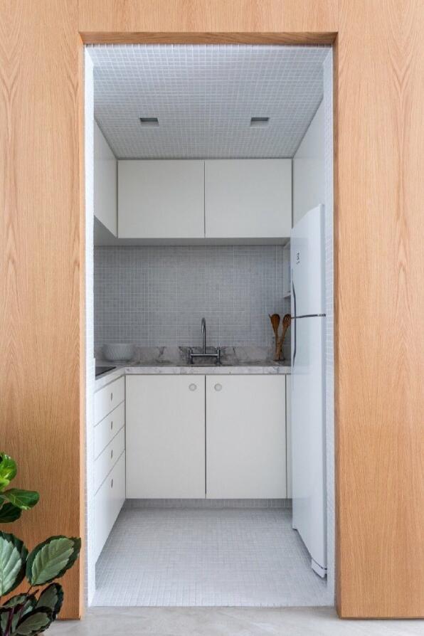 小戶型單身公寓樣板房U型廚房裝修