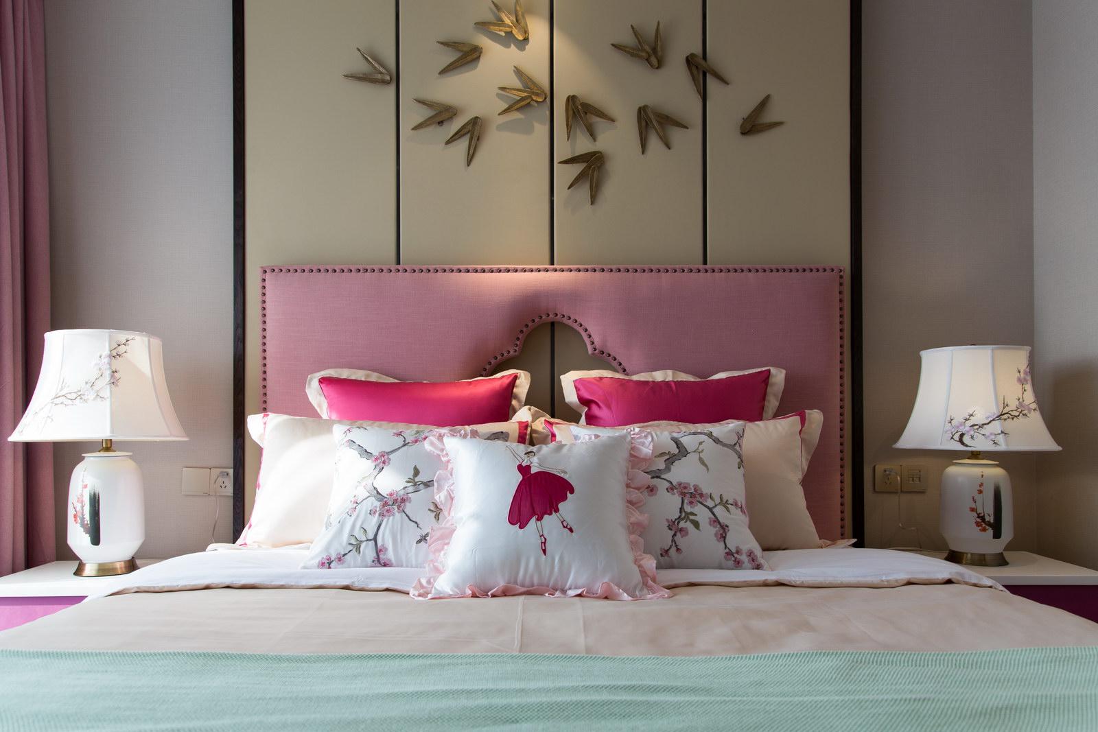新中式風格437平四層別墅臥室臺燈裝修圖片
